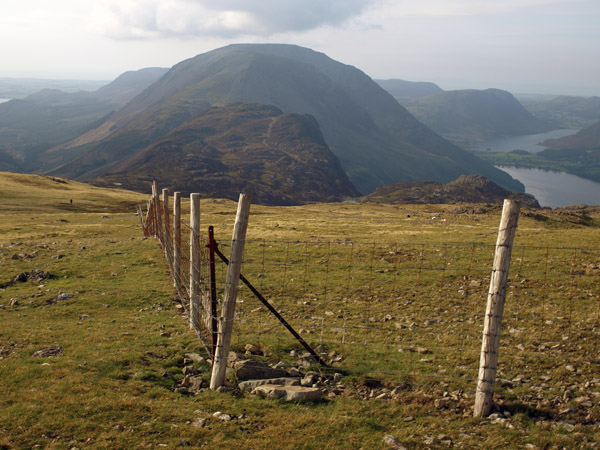 ridge fence to Haystacks