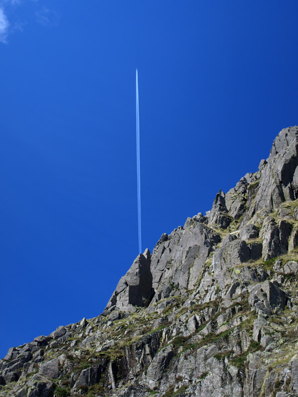 Vapour trail from Napes Needle