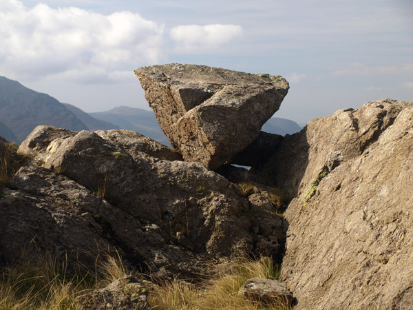 Perched boulder on Grey Knotts