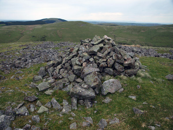 Tumulus cairn looking to Swarth Fell