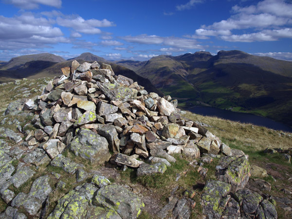 Summit cairn of Middle Fell