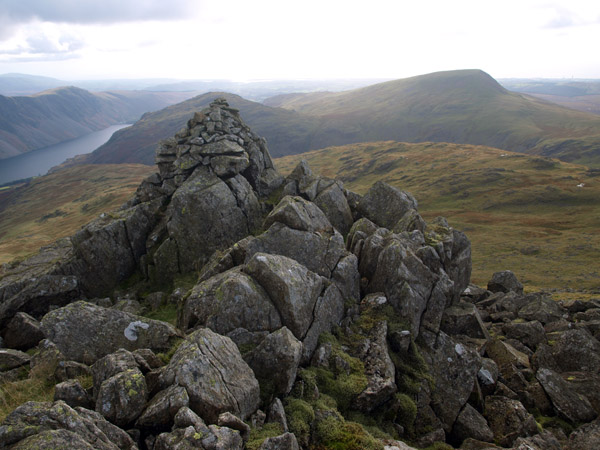 The Chair cairn overlooking Low Tarn