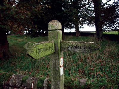 Footpath finger-post Slade House