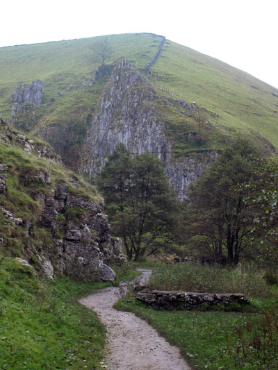 Drabber Tor in Wolfscote Dale