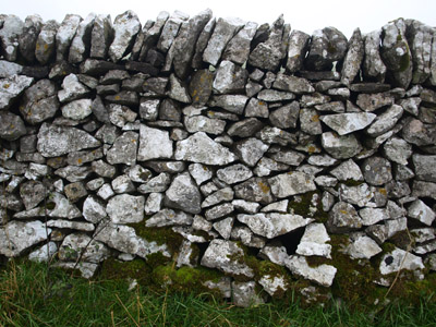 Old wall on Gratton Hill