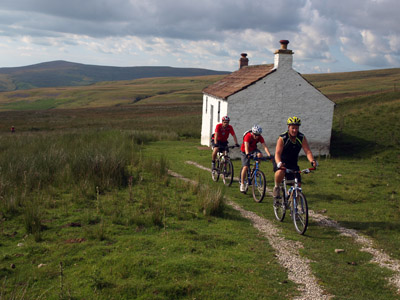 bothy and bikers